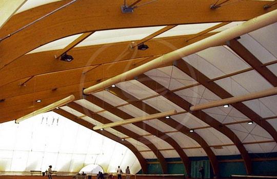 Structure en bois lamellé à portique