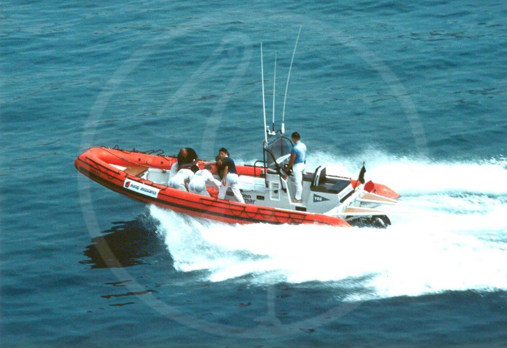 Halbstarres Boot, 8,50 m, mit Jetantrieb