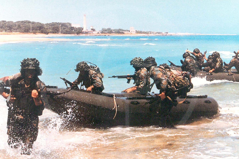 4.80 mt. foldable inflatable boat, San Marco Battalion