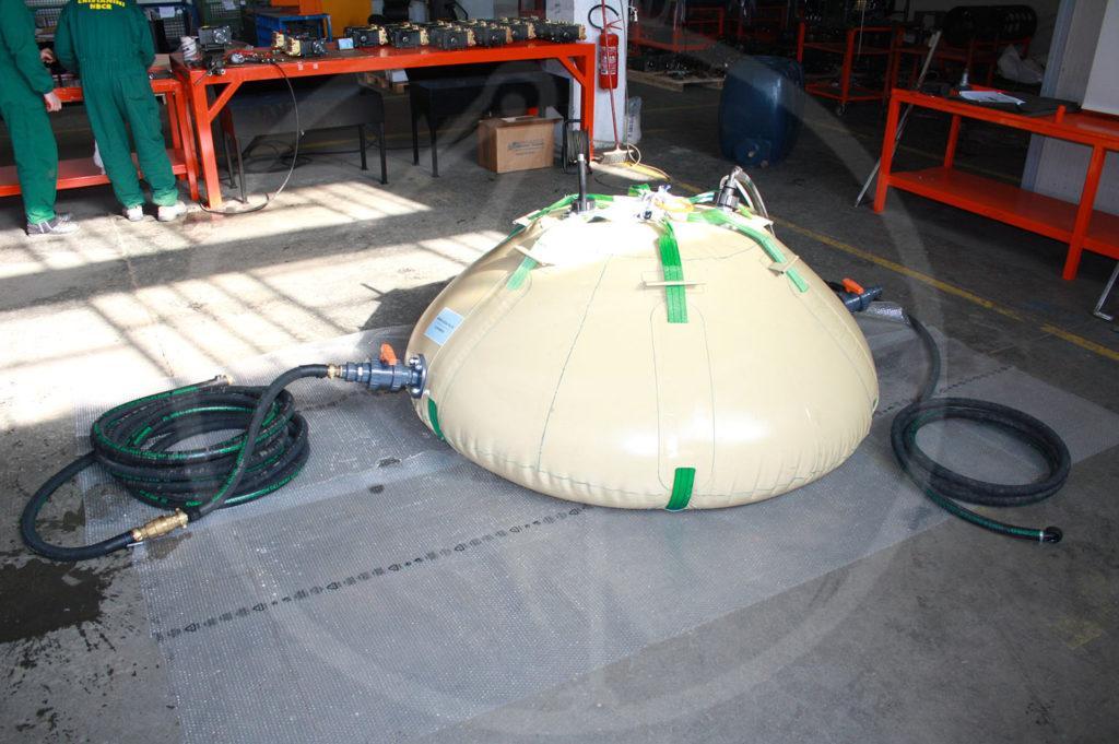 Tank, geeignet für Helikoptertransport, 1.500 l