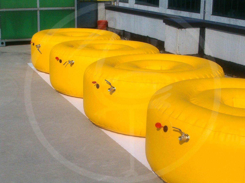 Schwimmende Vorrichtungen für Offshore-Konstruktion