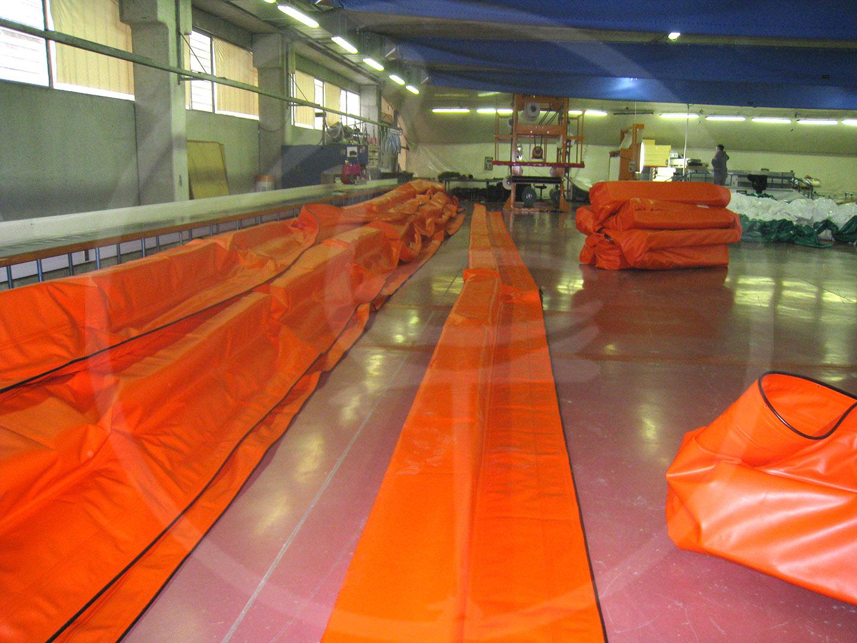 Préparation des barrières anti-pollution à panneaux rigides