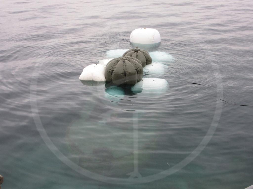 Marine Recovery Wrack im Gardasee