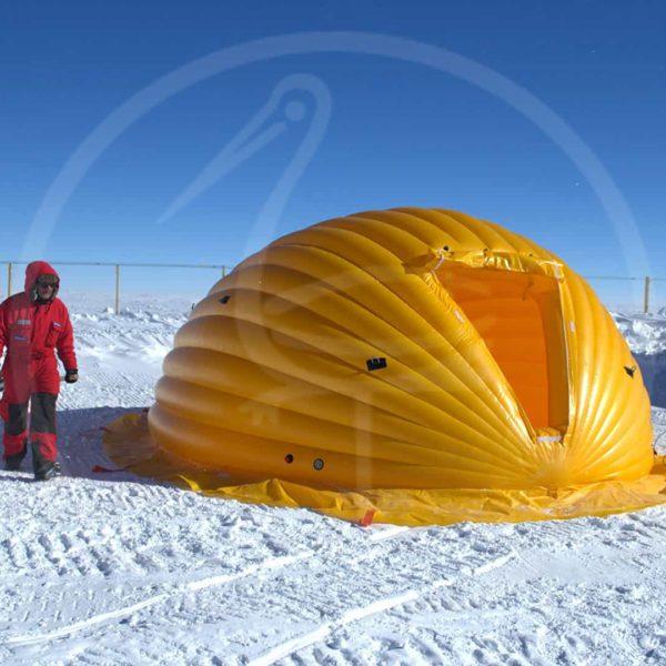 Selbsttragendes aufblasbares Zelt – 29. Italienische Expedition in der Antarktis. Mehr Infos unter www.italiantartide.it